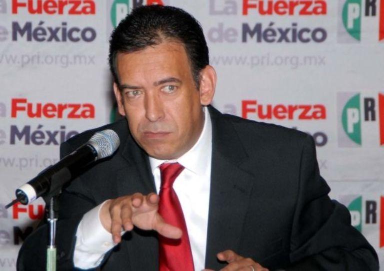 Renuncia Humberto Moreira a dirigencia del PRI