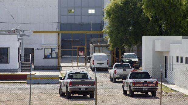 Trasladan a 221 reos federales de penales en Coahuila a Ceferesos del país