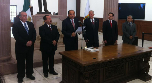 Gobernador de Coahuila entrega informe a Congreso del Estado