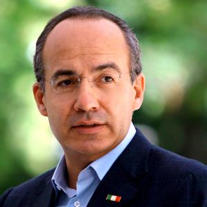 Calderón cierra sexenio con 31 millones de analfabetas
