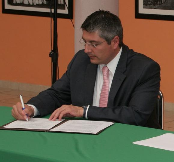 Presenta CDHE iniciativa para modificar su ley orgánica