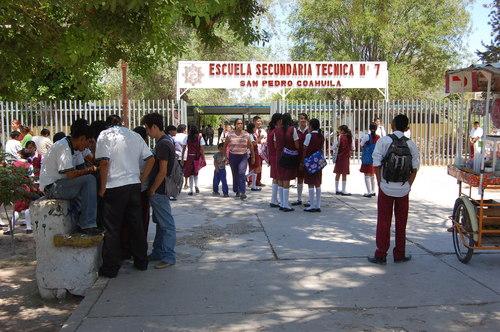 Denuncian otra omisión de maestros en secundaria de San Pedro