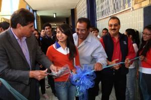 Recibe rector de UA de C a estudiantes de nuevo ingreso y entrega apoyos en PVC