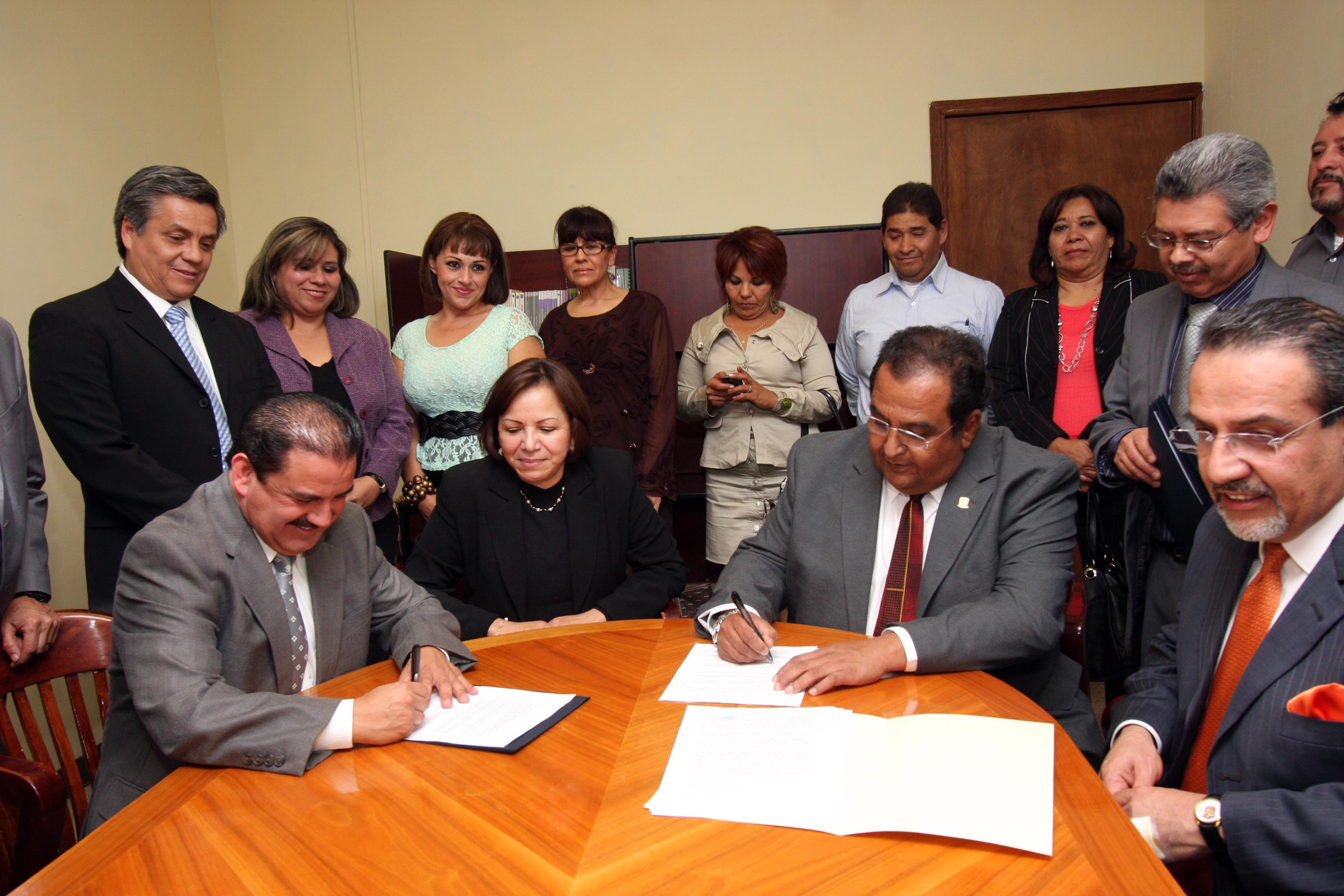 Acuerdan incremento salarial de 3.9 % a trabajadores de la UAdeC