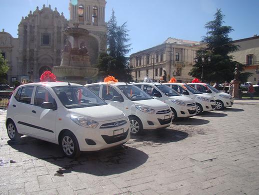Regalan 5 autos a contribuyentes cumplidos