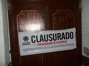 CLAUSURAN POR IRREGULARIDADES A OCHO BARES DE SALTILLO 1