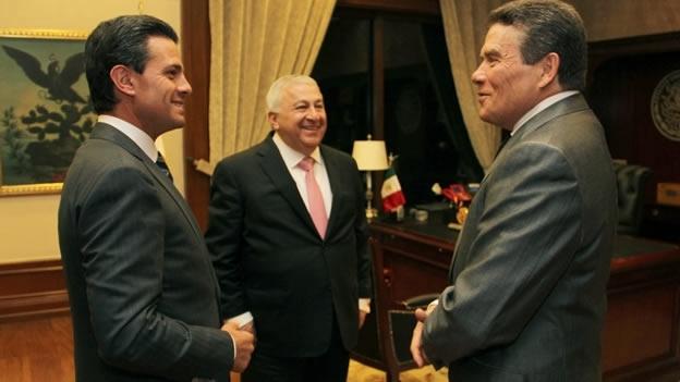 """NACIONAL/ Peña Nieto tiene un """"acercamiento"""" con el sindicato de profesores"""