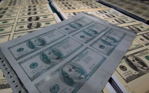 INSÓLITO/ Ladrón devuelve dinero que robó hace 30 años