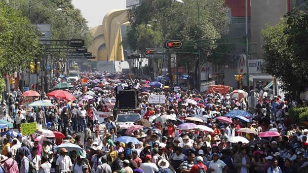 NACIONAL/ Profesores de Michoacán, Guerrero y Oaxaca trasladan protestas al DF