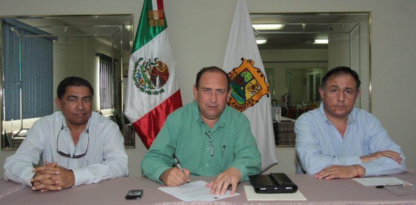 Firman decreto para otorgar estímulos fiscales a damnificados