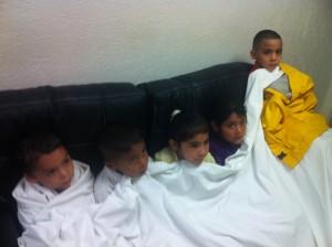 Alumnos y docentes del jardín de niños Carlota Rosado fueron rescatados por las autoridades.