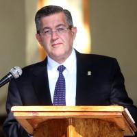 Rector de la UAdeC Blas José Flores Dávila