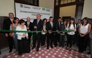 Recorre Rubén Moreira trabajos de remodelación en El Ateneo