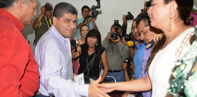 Entregan acta de mayoría a Miguel Riquelme como alcalde electo de Torreón