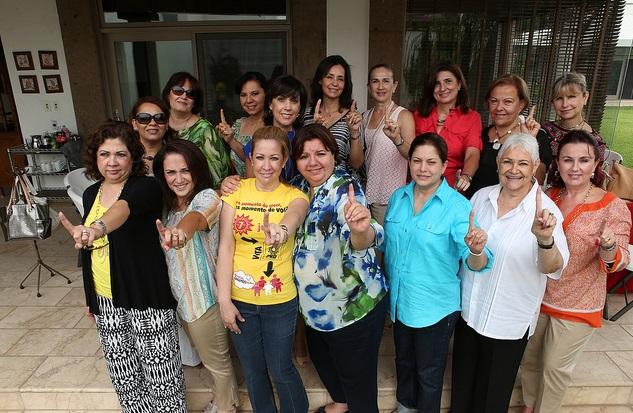 Exitosa reunión de la candidata Isabel Vesuña con esposas de empresarios