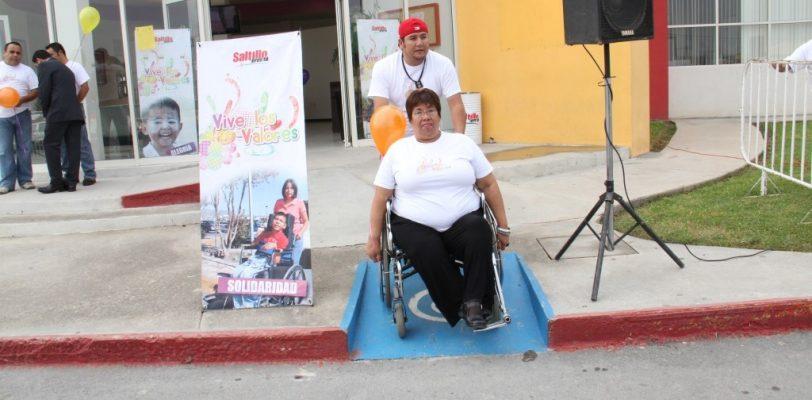 Infracciona tránsito a quienes no respetan áreas para discapacitados