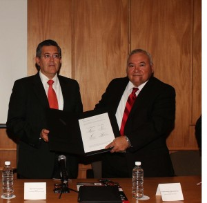 Firma convenio UAdeC