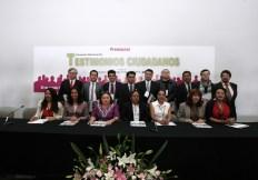 Entrega IFE premios a ciudadanos participantes en concurso nacional