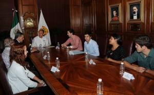 Recibe Rubén Moreira a estudiantes del ITESM campus Saltillo  que organiza el mega congreso 'LOUD'