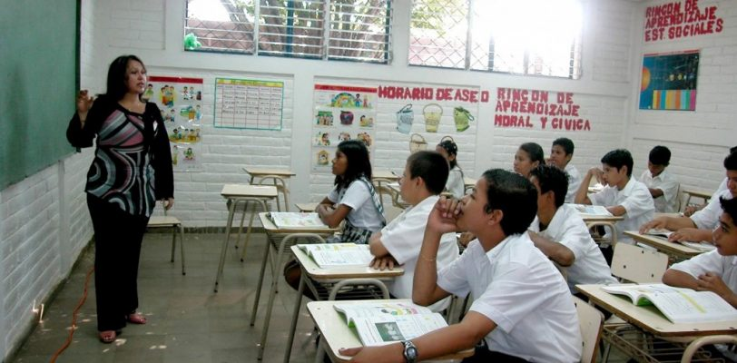 No paga Coahuila a maestros de tiempo completo