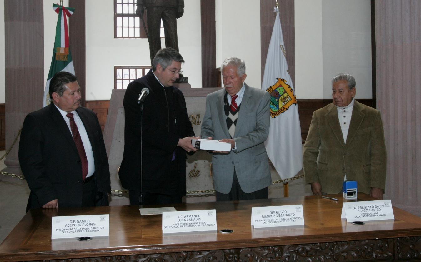 Entregan a diputados 2° Informe de Gobierno de Rubén Moreira