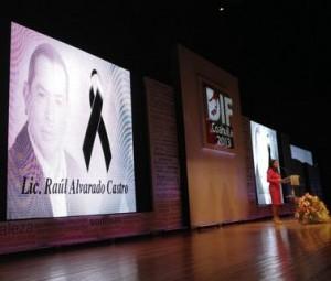 Rinden homenaje a funcionario fallecido