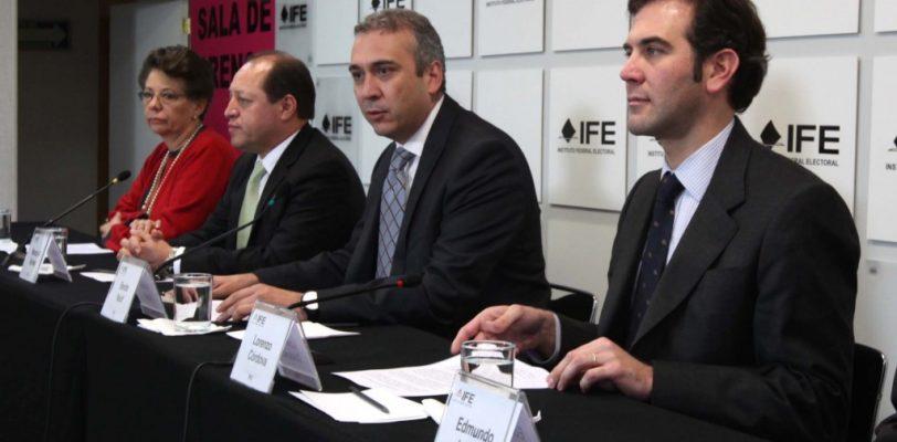 Reforma Política pondría en riesgo elecciones estatales:IFE