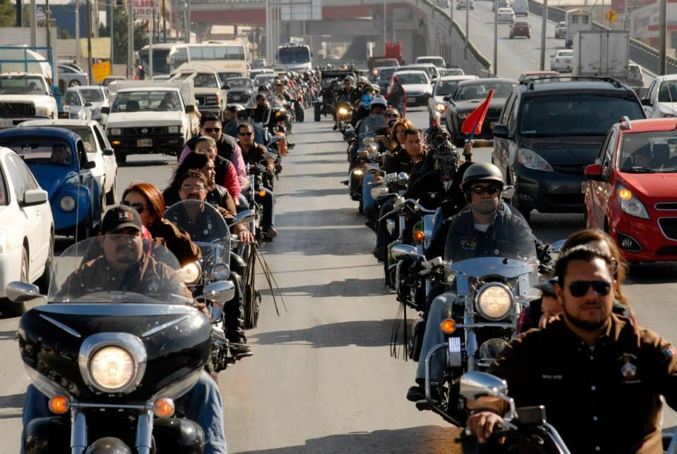 Motociclistas coahuilenses arrancan campaña vial en carreteras