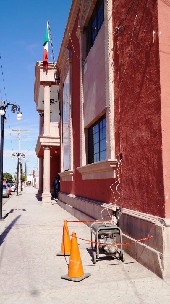 Por falta de pago el Ayuntamiento de San Pedro se queda sin luz