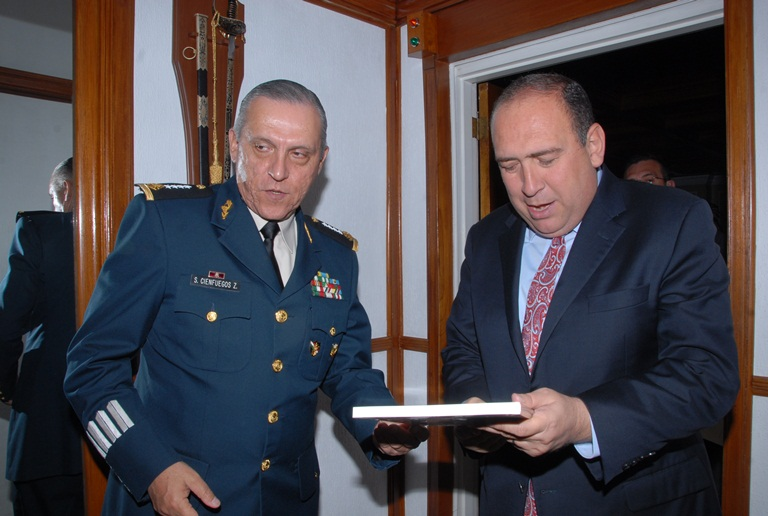 Se reúne Gobernador con Secretario de la Defensa Nacional