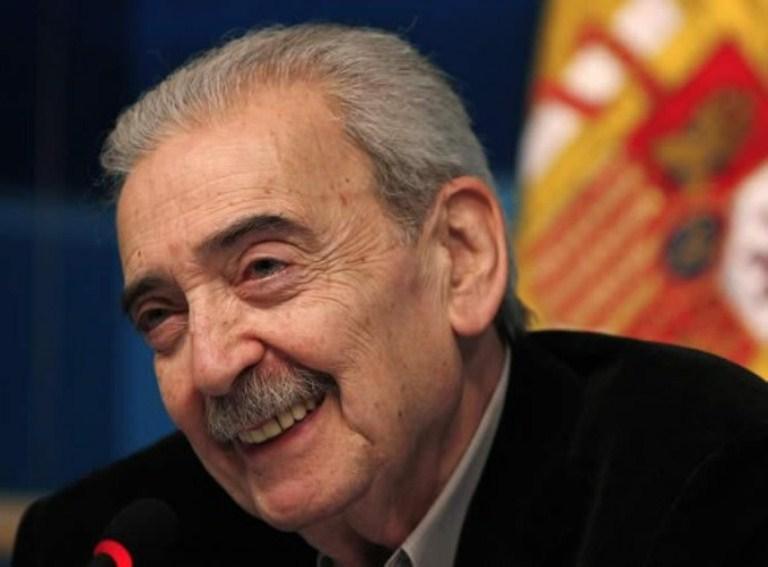 Lamenta Tovar y de Teresa muerte del poeta Juan Gelman