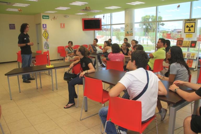 Ofrecen asesorías en matemáticas, física, química e inglés