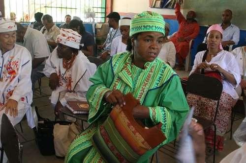 Mujeres indígenas sufren discriminación por tradiciones