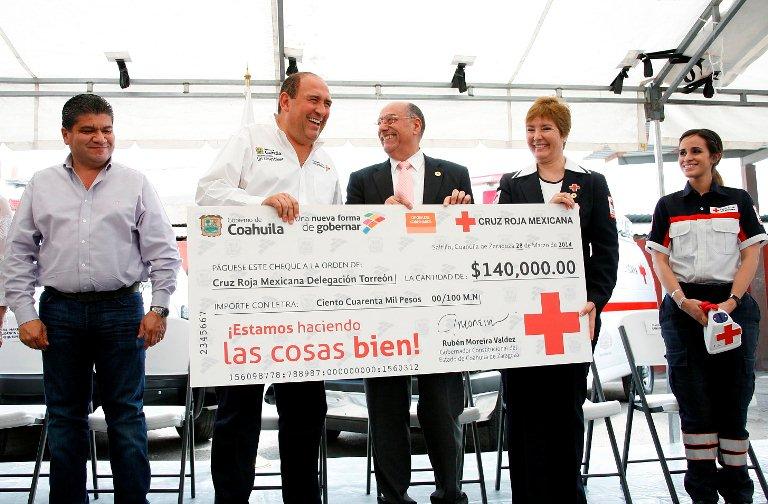 Entrega Gobierno Estatal apoyo a la Cruz Roja Mexicana Delegación Torreón