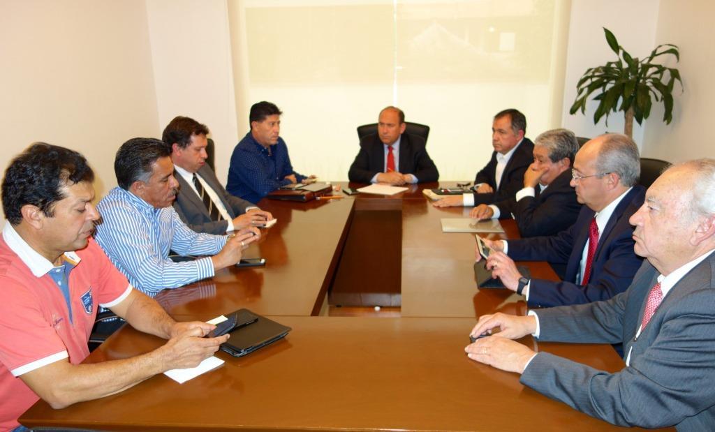 Anuncia Gobierno de Coahuila bono para maestros