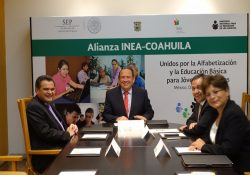 Concreta Rubén Moreira convenio de coordinación con INEA