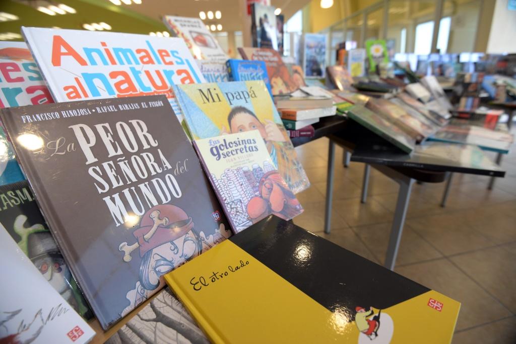 Incrementan con best sellers el acervo en el Biblioparque Sur