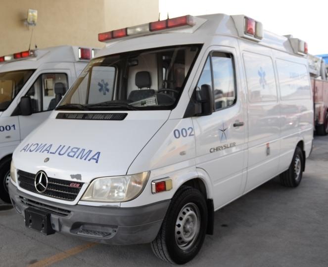 Reciben Bomberos y Protección Civil ambulancias donadas por Chrysler