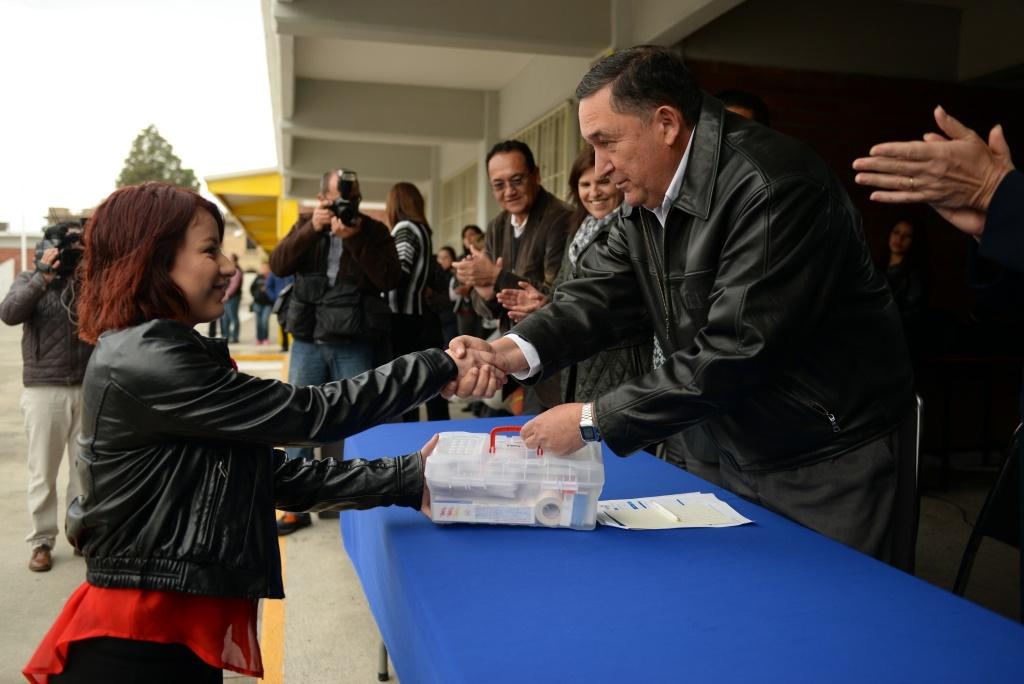 Refrenda Alcalde compromiso con los estudiantes