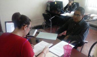 Policías acusados de cambiar parte contra menor siguen en funciones