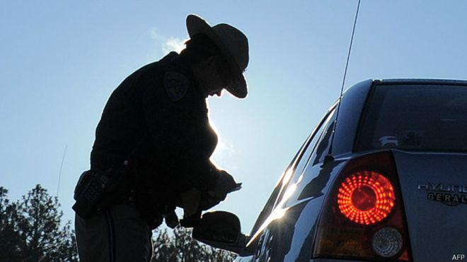 Lo que debes hacer (y lo que no) si te detiene un policía en EEUU