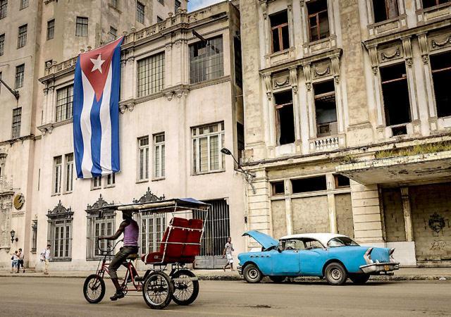 Embellecen calles de La Habana por visita de Papa Francisco y John Forbes Kerry