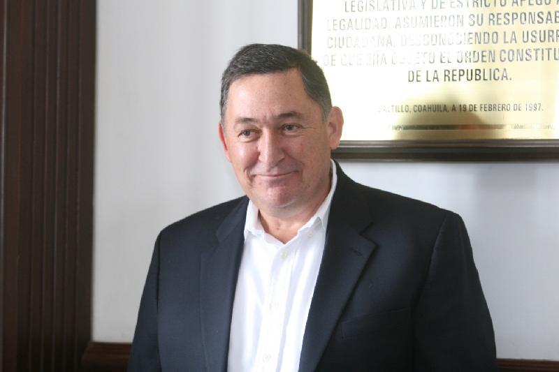 Estima regidor Ayuntamiento de Saltillo gasta 10 mdp en viajes
