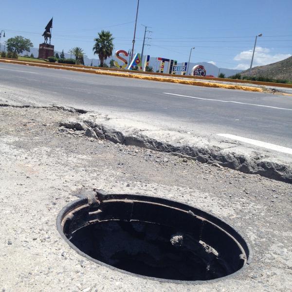 Reporte de alcantarilla sin tapa en Carretera a Torreón