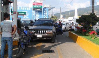 Aumento de tomas clandestinas provocó desabasto de gasolina