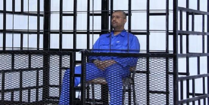 Libia condena a muerte al hijo de Kadafi