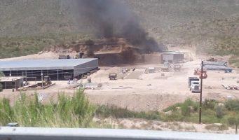 Ladrillera contaminando carretera Saltillo – Torreón
