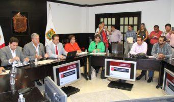 Se reúnen diputados con autoridades de la Región Sureste