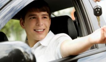 Por ley, no se expedirán licencias de conducir a menores