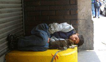Niños y mujeres de la calle son 'vergüenza social', dice el Papa